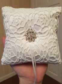 Pillow for rings