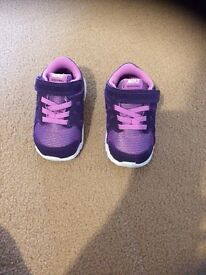 Nike size 4.5 girls trainers