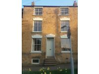 Banbury Town Centre. Large rooms to let in central location, 10mins walk from train station.