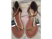 Ladies Sandals (size 6 uk)