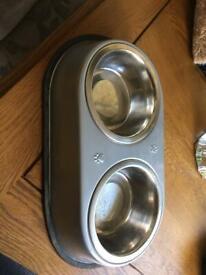 Dog feeding bowl station