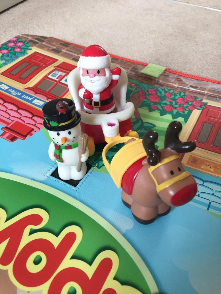 Happy Land Christmas Figures