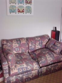 sofa bed settee, with pull out metal action double bed. collection only £40 ono