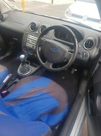1.4 ford fiesta 2004 flame.