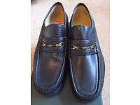 ** New** Men's Clarks Shoes Size 8, Colour - Black. Still in box