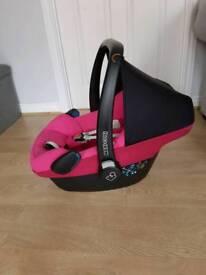 Pink maxi cosi pebble car seat and family fix isofix base