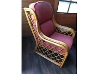 2x wicker chairs and table