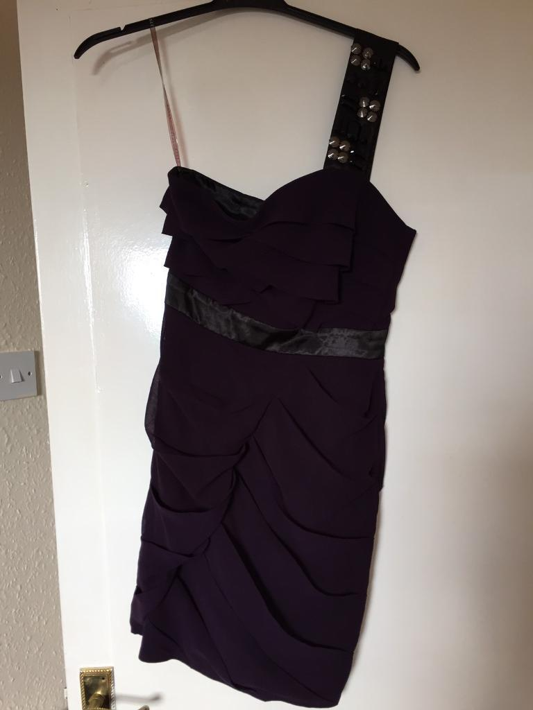 Lipstick Dressin Bonnyrigg, MidlothianGumtree - Purple lipsy dress with detail on shoulder strap size 8 worn once £15 Ono
