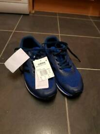 Brand new men's adidas bounce trainers