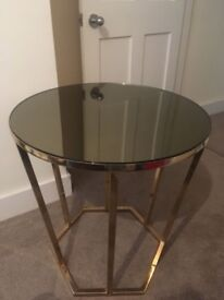 Round glass mirrored table