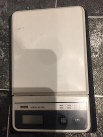 Tanita Mini-Slim Compact Digital Scales (Model 1475)