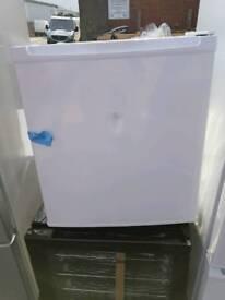 ESSENTIALS CTT50W15 Mini Fridge - White