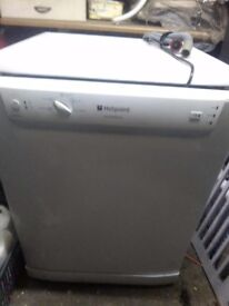 Hotpoint Aquarius dishwasher. White 600mm wide