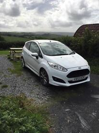 Ford Fiesta zetec s 1.6 diesel low mileage for age!
