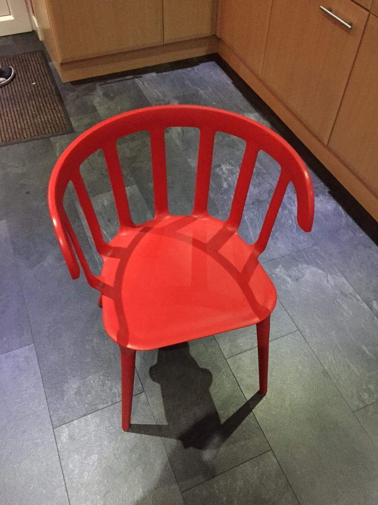 4 plastic chairs for sale **Reduced £30**