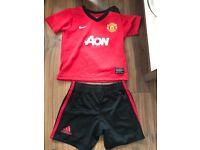 Manchester United Strip 12-18 Months