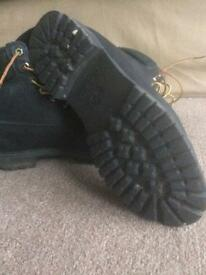 Timberlands 11.5 size
