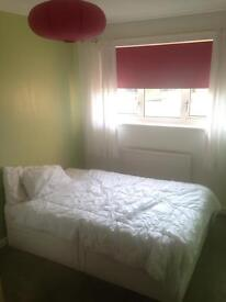 Double room in house share