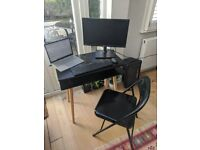 Sturdy and compact desk & chair