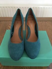 Stunning suede shoes size 37/4