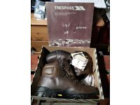 Walking Boots brand new unused Trespass UK size 7 leather upper, Hydro Guard lining and Vibram sole