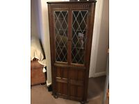 MAHOGANY CORNER DISPLAY UNIT