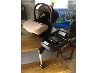 **like new**silvercross car seat and silver cross isofix base