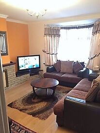 2 bedroom house in Abbots Road,, Edgware