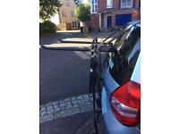 Hollywood bike rack, up to 3 bikes, fits most cars, simple to use
