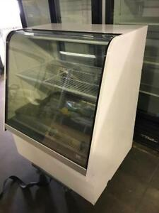 "40"" curve glass pastry cake / pop display fridge for only $995 ! Special priced to sell only 1 available"