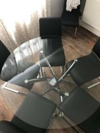 Cluster round dining table