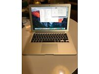 Apple MacBook Air 13 2015 1.6Ghz intel Core i5, 4GB DDR3 Ram, 128gb SSD, Intel HD6000 Graphics