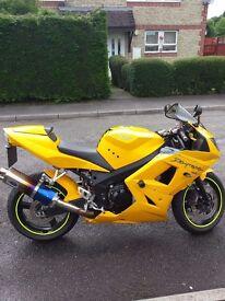 Daytona 650 Yellow