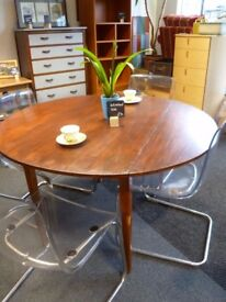 Round refurbished wooden table - CHARITY