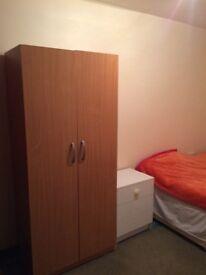 Room Tilehurst