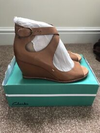 Clarks Tan Leather Woman's Shoes