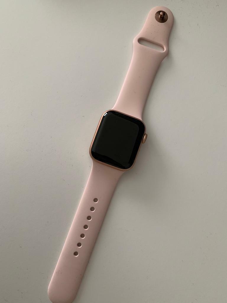 buy online 456b7 f6e19 APPLE WATCH S4 GPS 40mm - Gold Aluminium/Pink Sand. Sport Band. | in  Camberwell, London | Gumtree