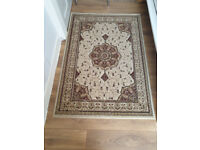 Beautiful rug 120cm X 172.5cm in excellent condition
