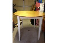 Extending White Painted Table Seats 4-6