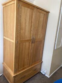 Solid Oak wardrobe (Oak Furniture Land)