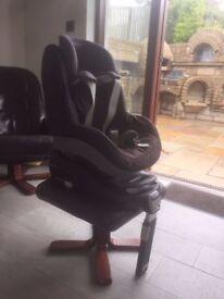 Maxi Cosi Family Fix and Pearl Seat