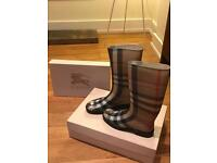 Burberry House Check Rain Boots size NEW