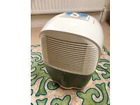 De'Longhi DEM10 Compact Dehumidifier, 10L