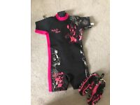 Minnie Mouse Wetsuit and shoes Age 3-4