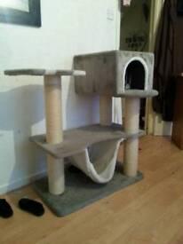 Cat house/scratch post