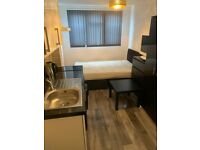 Studio self contained flat fully furnished Pollards Hill Mitcham