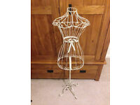 Shabby Chic Mannequin White Metal Dress Stand/Clothes Hanger