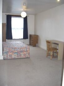 Triple and Double Size Rooms Immediately Available In Maidstone Town Centre House Share