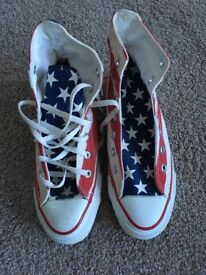 Ladies stars and bars converse boots size 6