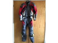 Frank Thomas beautiful two-piece leather motorbike suit size 40 in grey/red/white